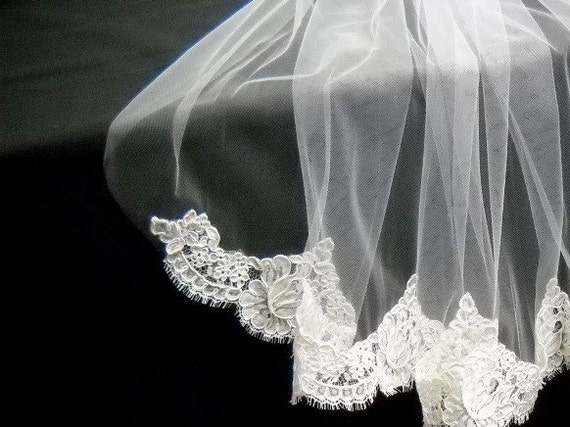Elbow Length Veil embellished with Alencon Lace