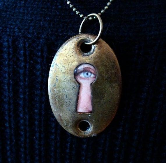 Peek-a-boo Vintage Key Hole Necklace