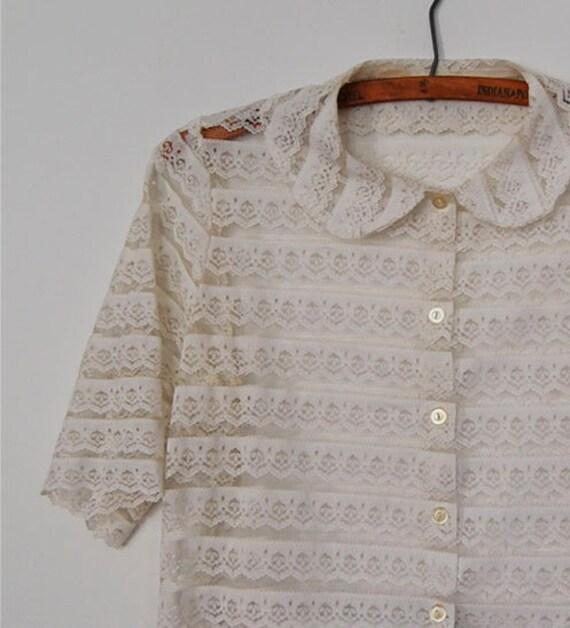 V I  N T A G E White Lace Crop blouse