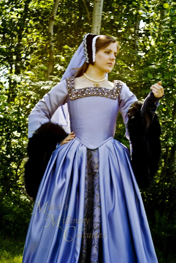 Reserved Anne Boleyn The Tudors dress gown Renaissance costume REPRODUCTION CUSTOM