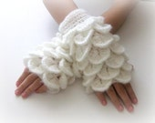 White Fingerless Gloves ,  Trendy, Girly, Teenie, Women, Flower, Artichoke