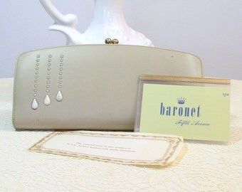 Vintage Wallet Faux Leather Purse Baronet Kisslock Green