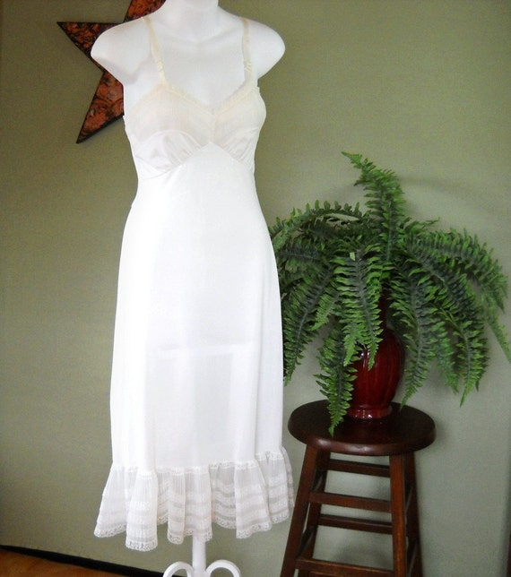 1960s Shadowline Slip / Lacy / Pure White / Vintage Lingerie