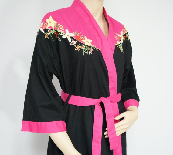 Cotton Robe Black and Hot Pink Appliqued and Embroidered Lounge Wear Womens Vintage Night Wear Size Small
