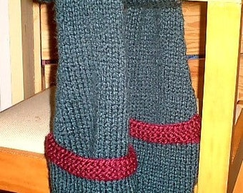 The Ambia Pockets Scarf pattern