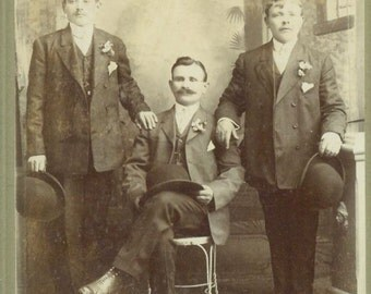 Father and Sons 3 Victorian Men Suits Hats Cabinet Card Studio Portrait Antique Photograph Photo Midwest