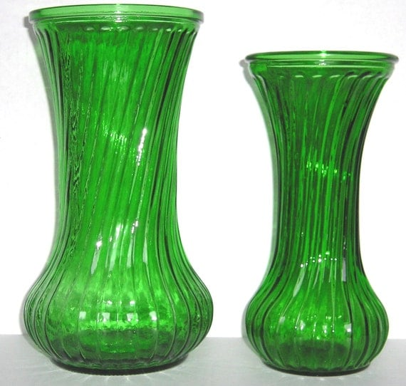 Vintage Two Swirl Ribbed Hoosier Glass Emerald Green Vases 7 1\/2 and 8 1\/2 Inches