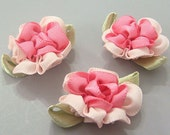 Lot of 20 Satin Ribbon Flower Appliques Sewing Craft EA152