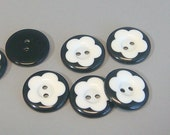 20pcs Round Buttons...Flower Shaped... 20mm...Black and White... Sewing... EB98