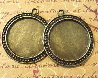 10 Antique Bronze Pendant Blank Tray...30mm...Cameo...Cabochon...Free US Shipping...N18