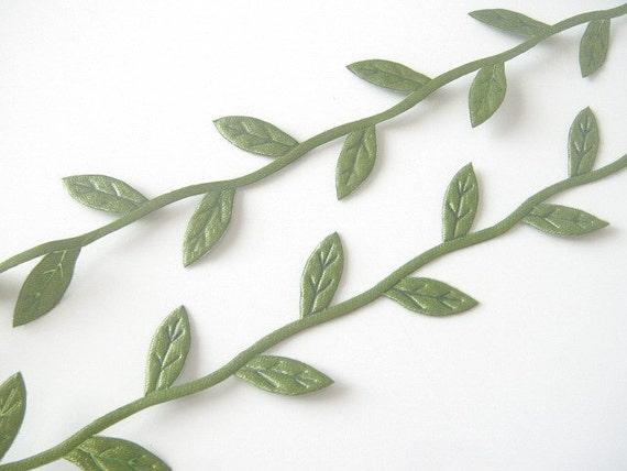 5 Yards Green Satin Embossed Leaf Trim Appliques Scrapbooking EA215