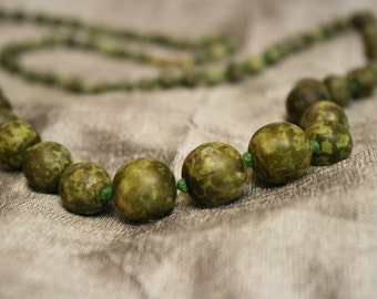 1920's Vintage Knotted Green Jasper Bead Necklace - 22''