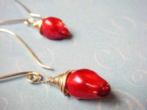 Red Rose Earrings   Rose Bud Freshwater Pearl Teardrop Jewelry Dangle Earrings   Valentines Jewelry    Valentines Earrings  Etsy Jewelry