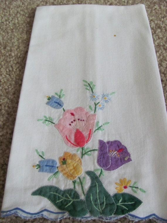 Vintage or Antique Pretty Appliqued Floral Hand Towel - 20 x 12