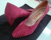 Vintage 1960s Rich Pink Suede 'Vanessa' Amalfi Heel with Stitched Front-Made in Italy 7.5