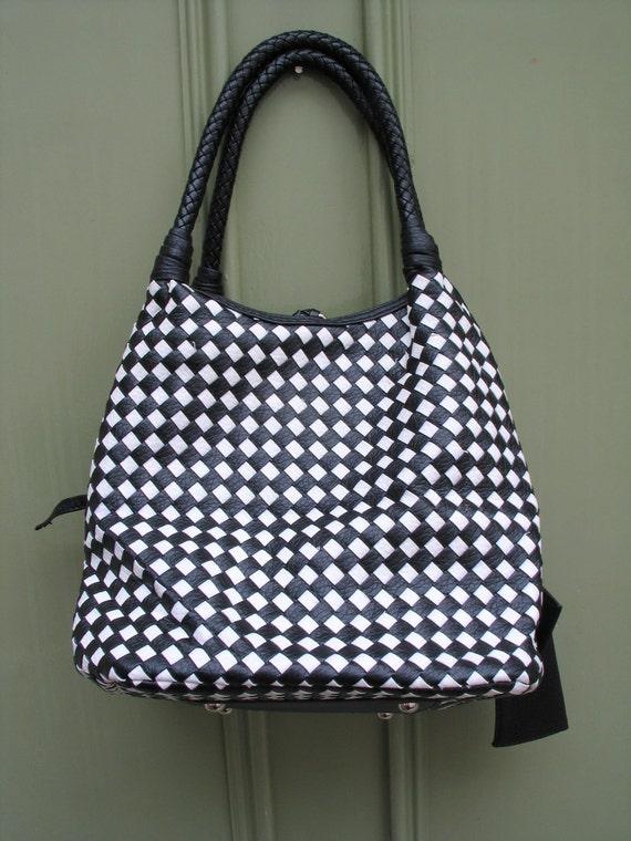 Classy 80s-does-60s Mod checkerboard monochrome handbag - vegan