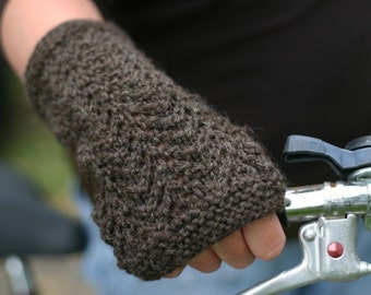 KNITTING PATTERN - Gull Lace Fingerless Mittens