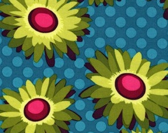 Flora and Fauna- Daisy Dot in Turquoise, 1 Yard