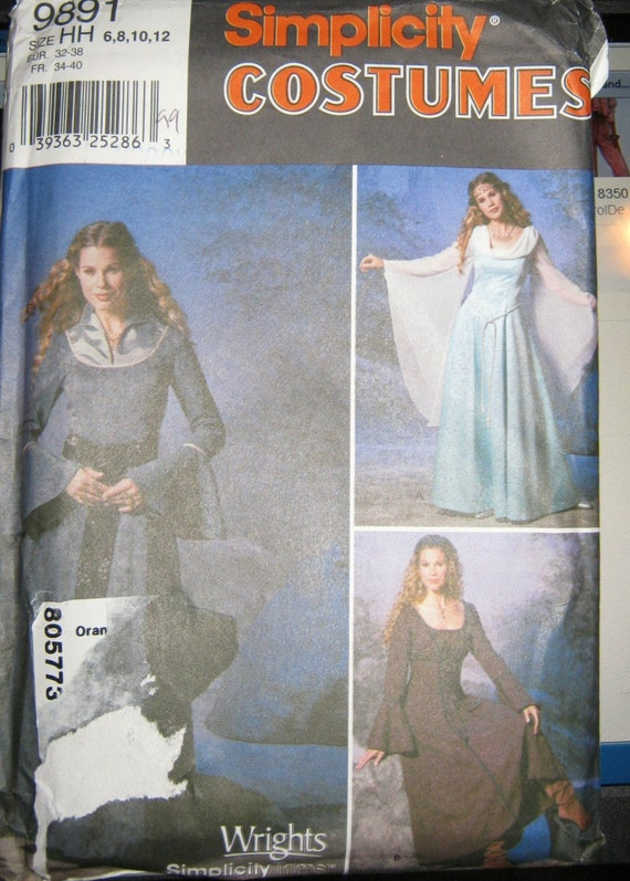 Simplicity 9891    Midieval Costume pattern  misses size    6 8 10 12