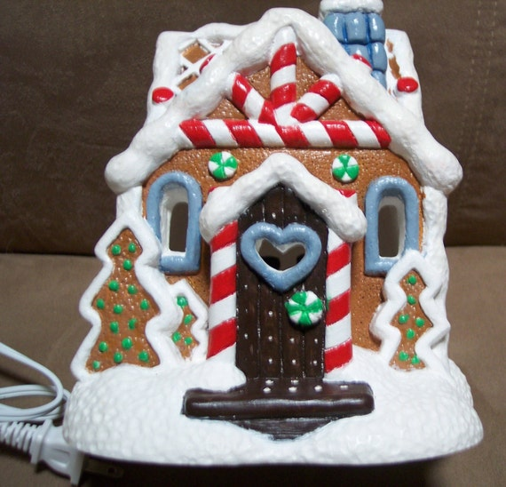 Ceramic Gingerbread House that Lights Up