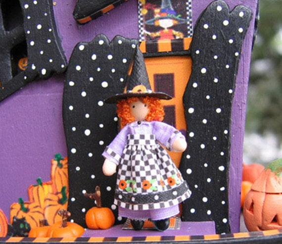 """Good Witch Miniature 1/4"""" and 1"""" scales doll (W-2) plus free dollhouse kit"""