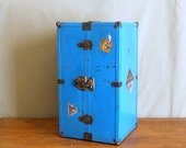 Metal Steamer Trunk for an 18 inch Doll