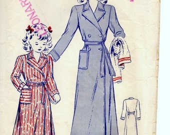 Vintage Butterick Sewing Pattern, Early 1940s, Girls Robe, Size 2