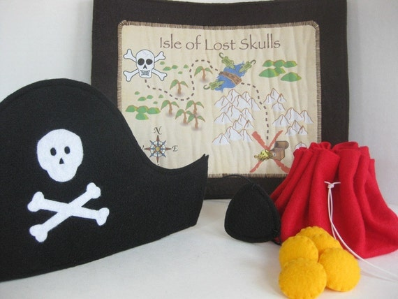 Felt Pirate Hat and Playset -- Great for Halloween or imaginative play