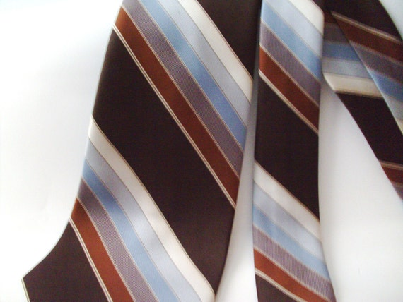 Mod Vintage 1970 s Kipper Wide Brittania Brown Tan Cream Blue Stripe Neck Tie