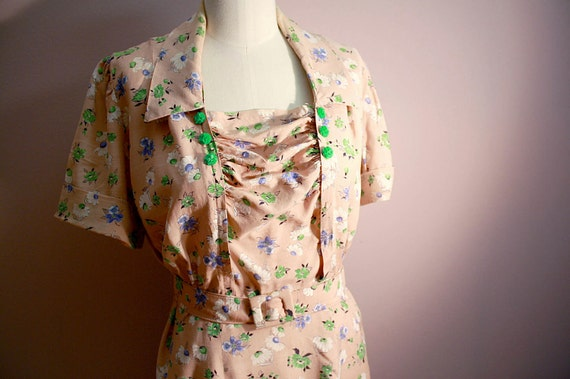 1940s Day Dress: Pink Floral Print Iconic Details XL Plus 14 16