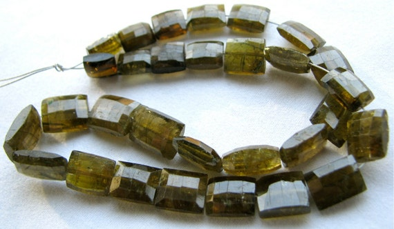 """Green Tourmaline Faceted Chiclets 4.5"""" half strand, 13 gemstone beads 7mm - 9mm (11w43c)"""