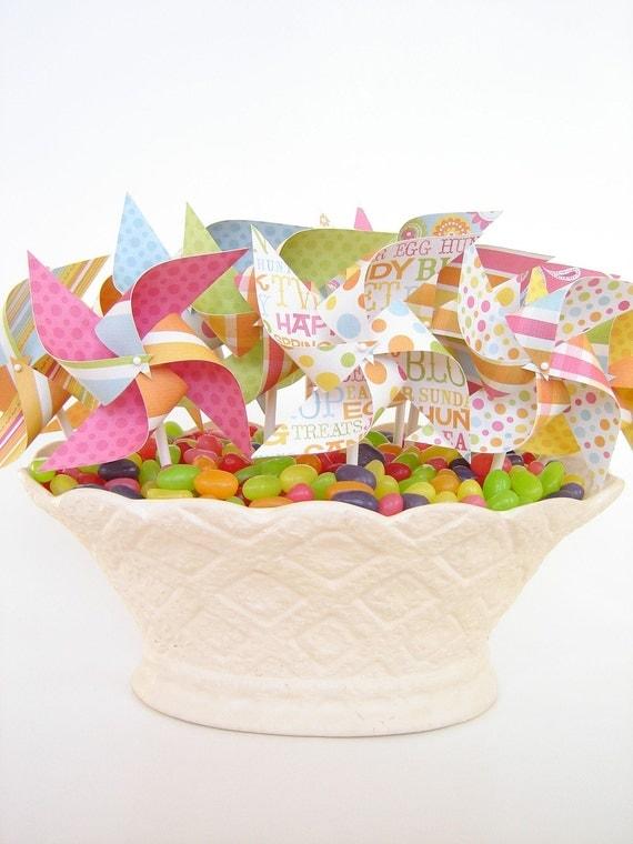 Hippity Hoppity  - Set of 12 Mini Pinwheels