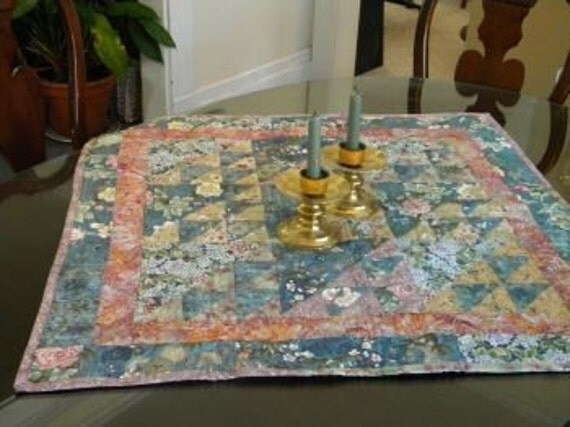 Asian-Inspired Quilted Table Topper - from secondsanctuary