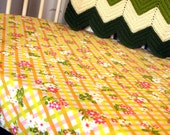 Stokke Fitted Crib Sheet - Vintage Daisy Plaid