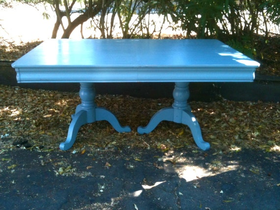 Light Powder Blue Tri-Foot Dining Table with Two Leaves