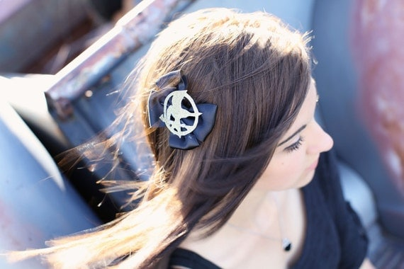 Hunger Games mockingjay stunning black and gold medium size hair bow, hunger game tribute