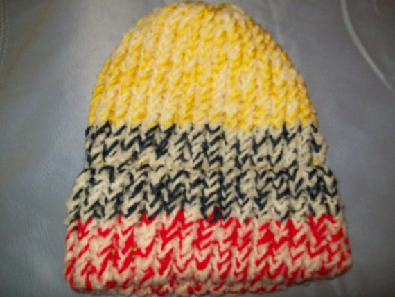Baby Beanie, 3-6 months. SOFT and COMFY in Primary Colors -
