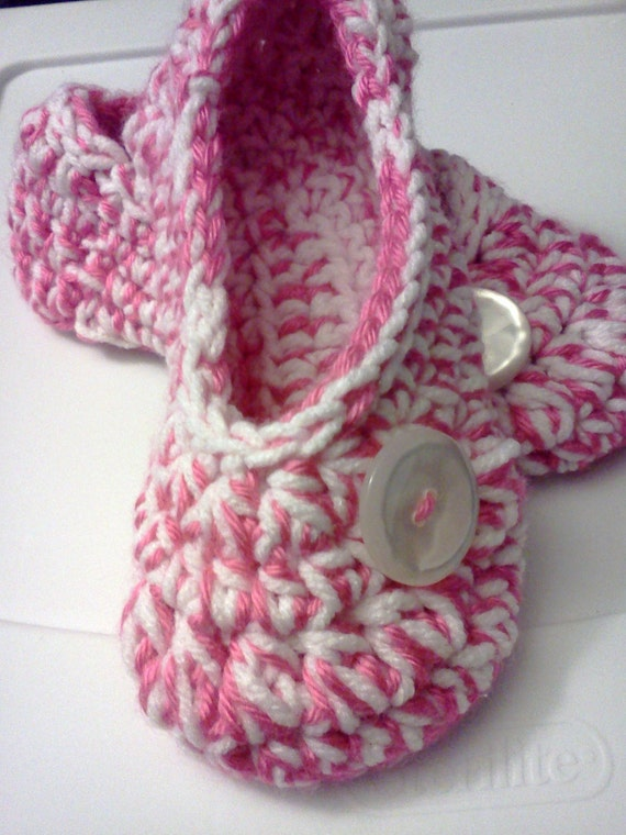 Women's Crochet Pink Slippers | Pink and White Crochet Slippers | Hand Crochet Slippers | House Shoes | Crochet Booties | Slippers