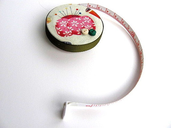 Quilters and Sewers Fabric Tape Measure