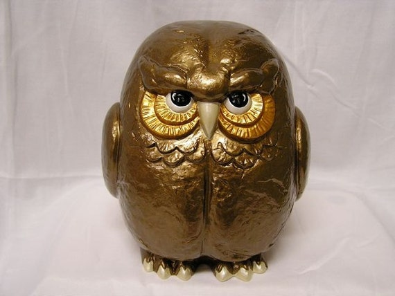 Retro Shimmering Garden Owl