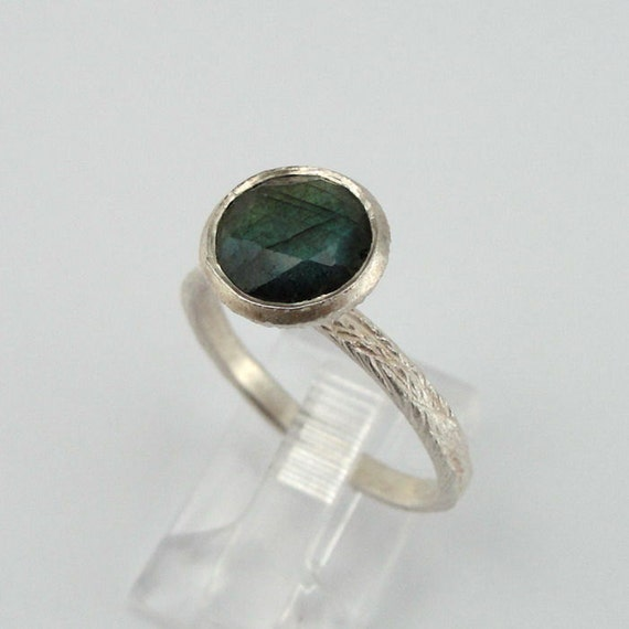 Sterling Silver Labradorite Ring size 7 READY TO SHIP (rd r100