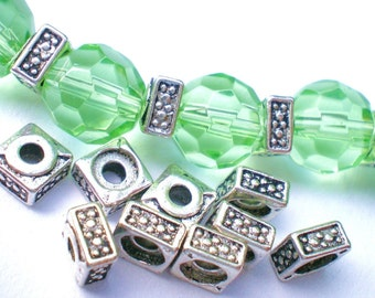 25 silver beads square spacer beads jewelry supplies 5 x 5 x1.4mm -53Y-(R5)