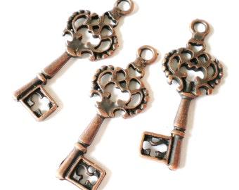 10 copper key charms 28 x 12 x 2mm nickel free jewelry supplies filigree key pendants (SR),