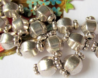 30 Silver beads spacers metal jewelry making supplies 7mm 10mm SR6-4
