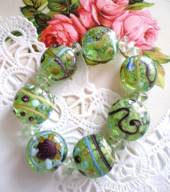 Lampwork Beads 15 green w roses chintz 10mm 20mm