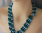 Vintage 1950s Japanese Triple Strand Necklace with Faux Pearls in Aqua Emerald and Blue