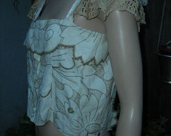 1960's-70's white/tan embroidered, summery, crocheted top - size M