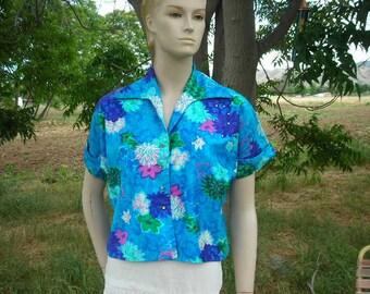1950's floral print cotton blouse w/rhinestones-size M
