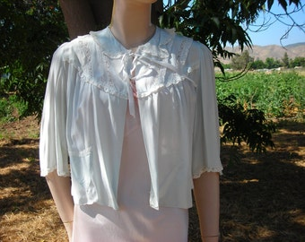 1940's pale blue bed jacket with lace - size M-L