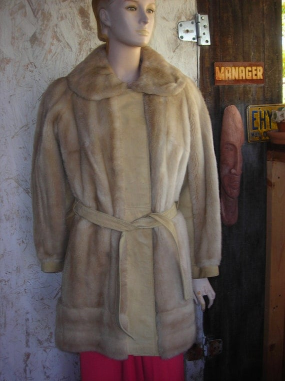 Woman's 1960's Tan Suede and Faux Fur Belted Jacket w/Large Collar-Size M-L